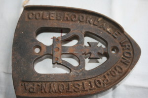 Vintage Colebrookdale Iron company Pottsdale sad iron Trivet.
