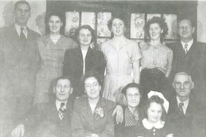 Family of Edna and Herbert John Vey, 1952