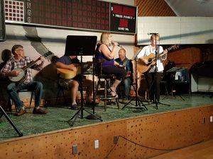 Melody Gardens Pickin and Grinnin Group